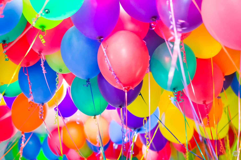 Поздравления с днём рождения в вк со смайлами подруге