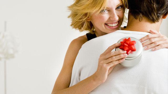 Как нужно принимать подарки от мужчины