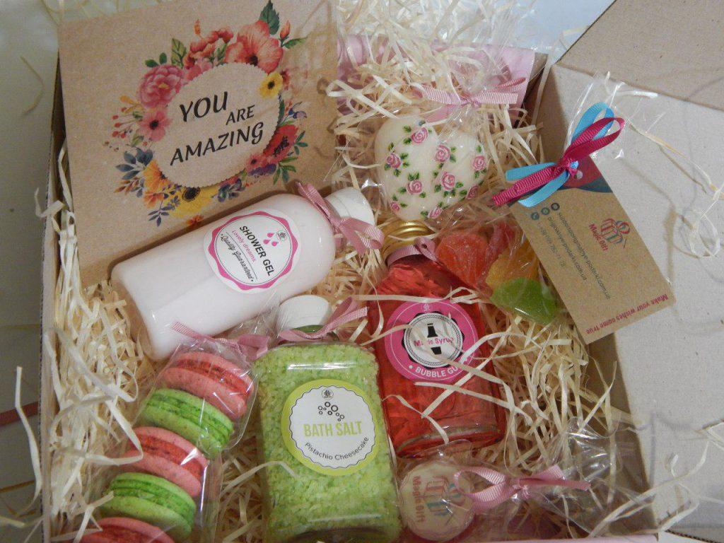 d30acfbc4c2f Подарок подруге на день рождения - лучшие подарки для подруги