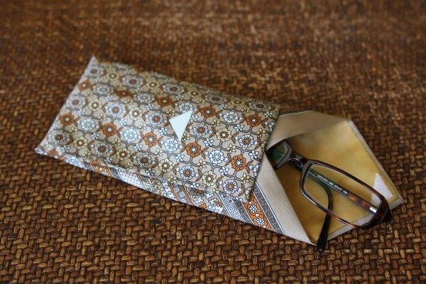 очешник из галстука