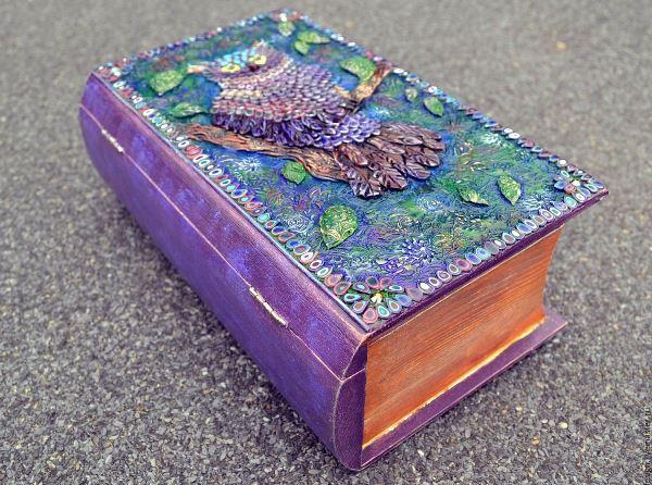 Шкатулка в виде книги