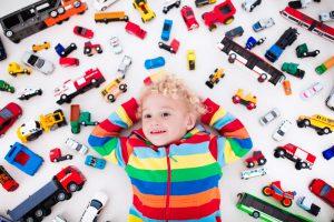 мальчик 3 года с машинками