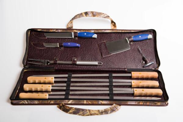 Эксклюзивный набор шампуров и ножей для мяса оценит каждый мужчина