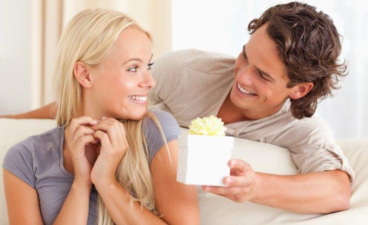 Онлайн судороги муж подарил жене друга делюкс
