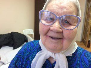 Очки - это нужный подарок для бабушки