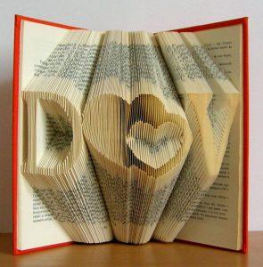 Декоративная книга - украсит интерьер и станет особенным подарком любимому