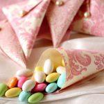 Небольшой пакетик драже - вкусный и приятный подарок