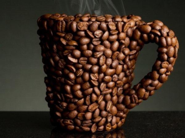 кружка в кофейных зернах