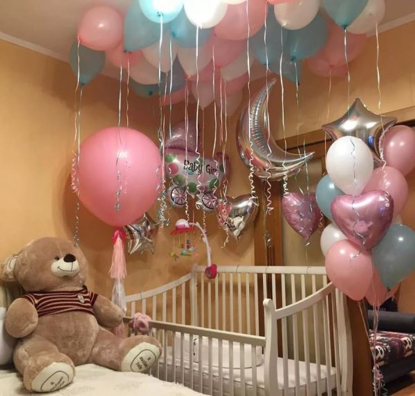 Что подарить новорождённой девочке