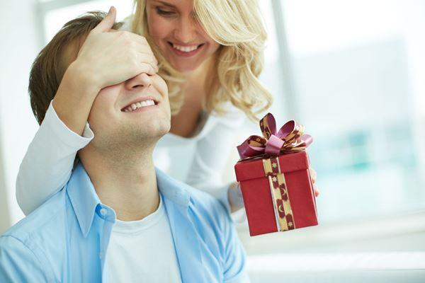 Что подарить парню на 21 год