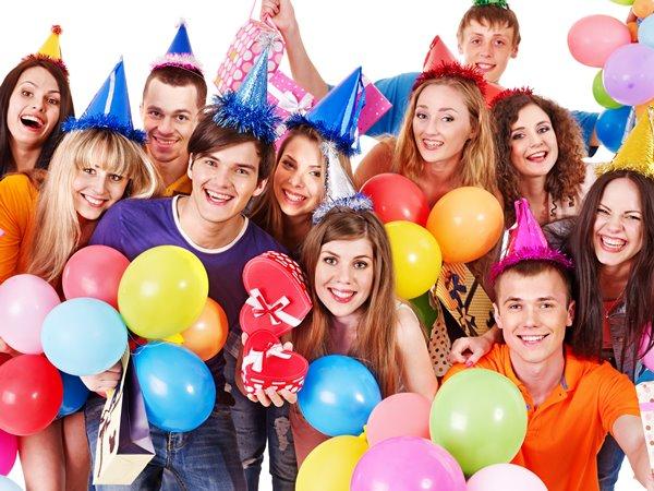 Что подарить подруге на 17 лет
