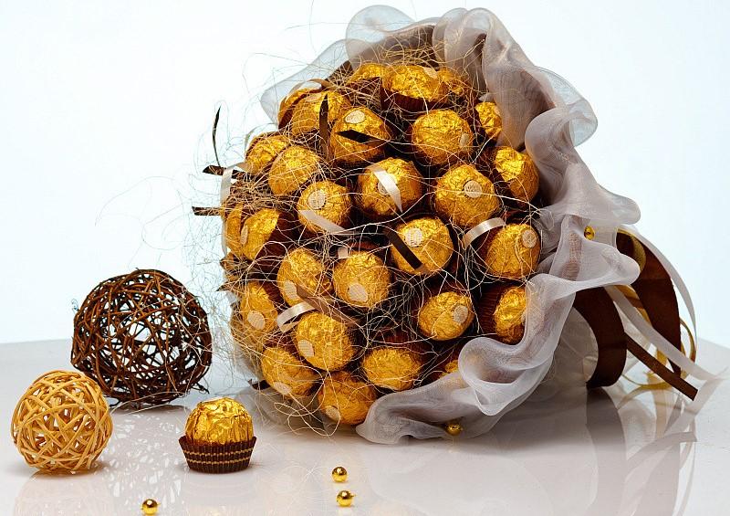 Оригинальный сладки букет