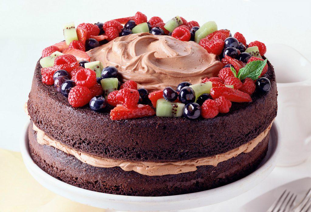 Порадуйте именинницу красивым вкусным тортом