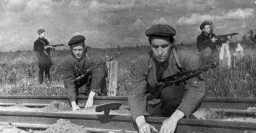 День партизан и подпольщиков в России