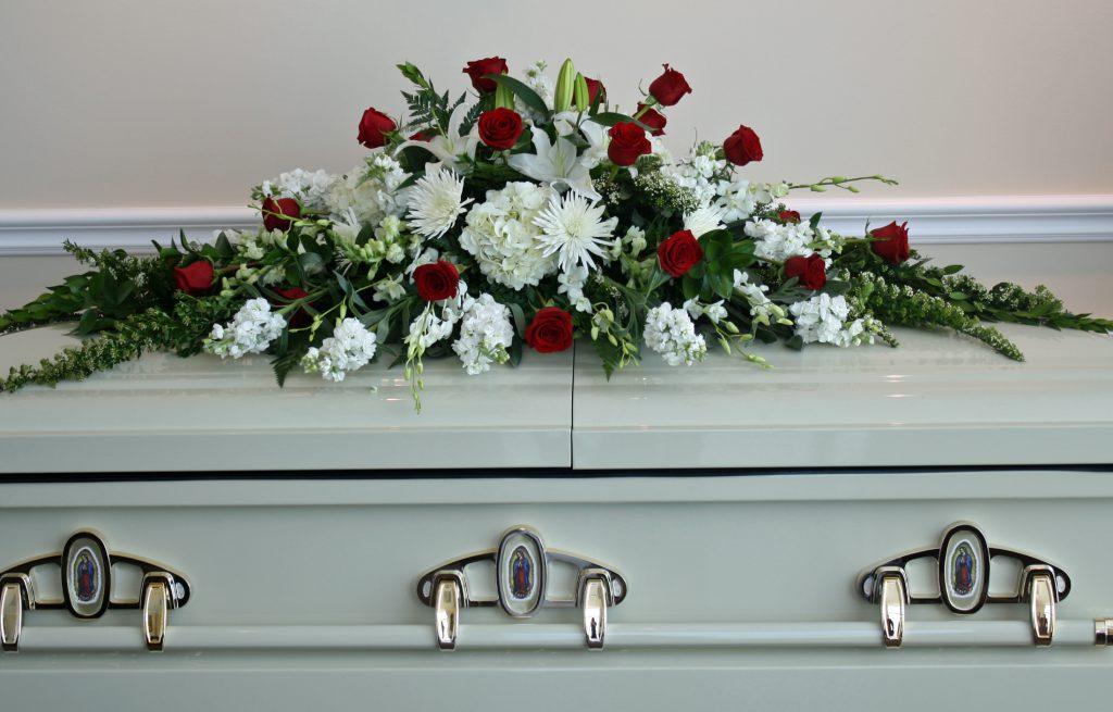 похоронные цветы