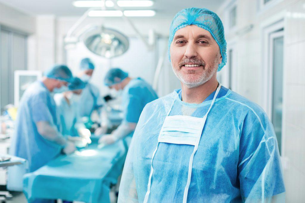 Хороший хирургический костюм