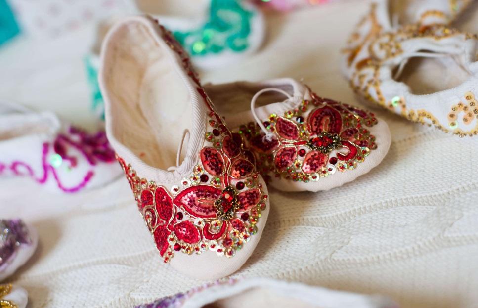 балетки с вышивкой
