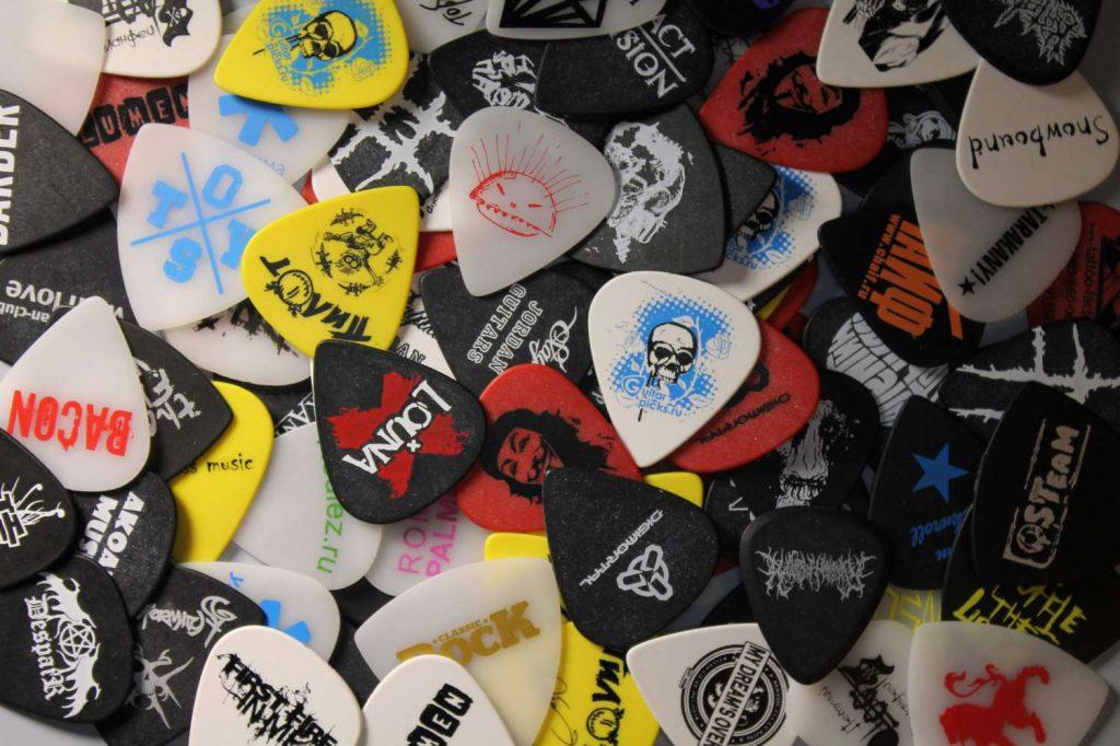 медиаторы на гитару