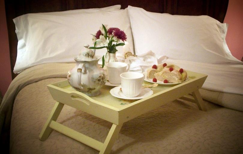 Раскладной столик для завтрака