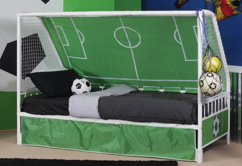 Кровать для фаната футбола