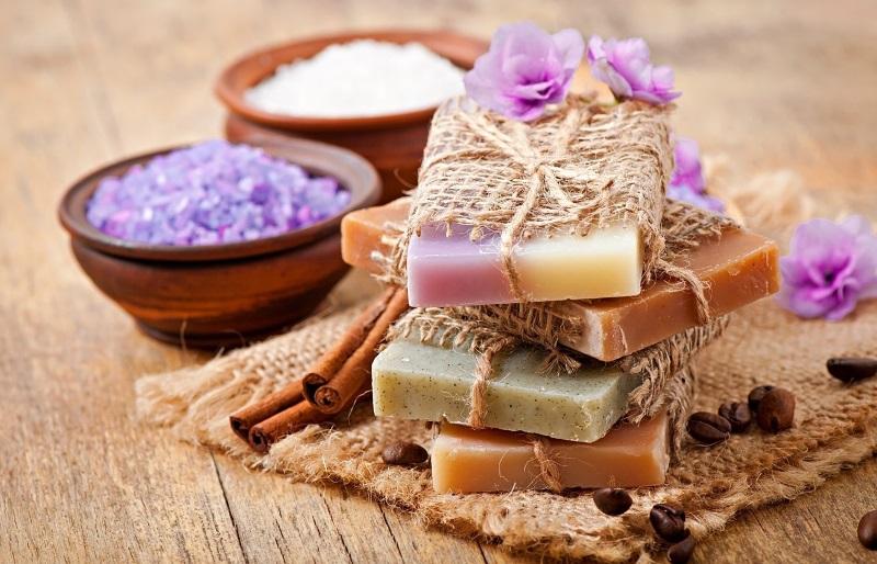 Для изготовления мыла не понадобится много дорогих ингредиентов