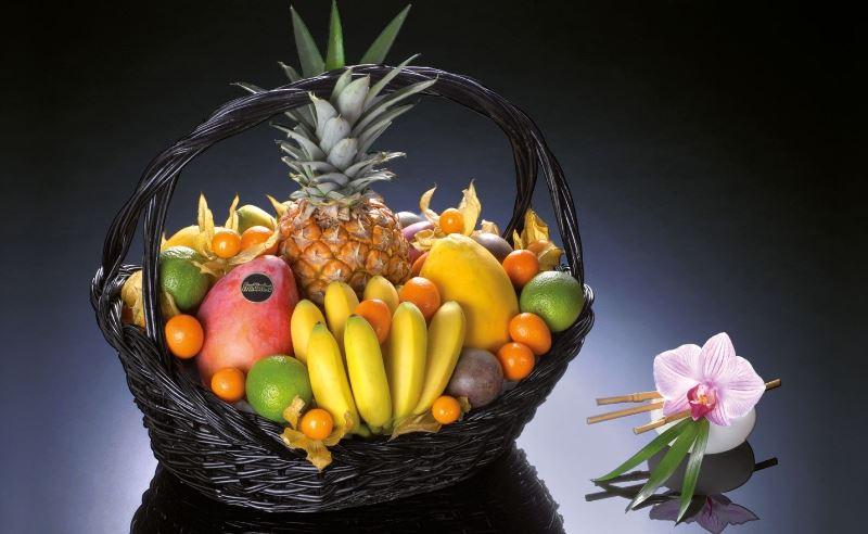 Композиция из экзотических фруктов
