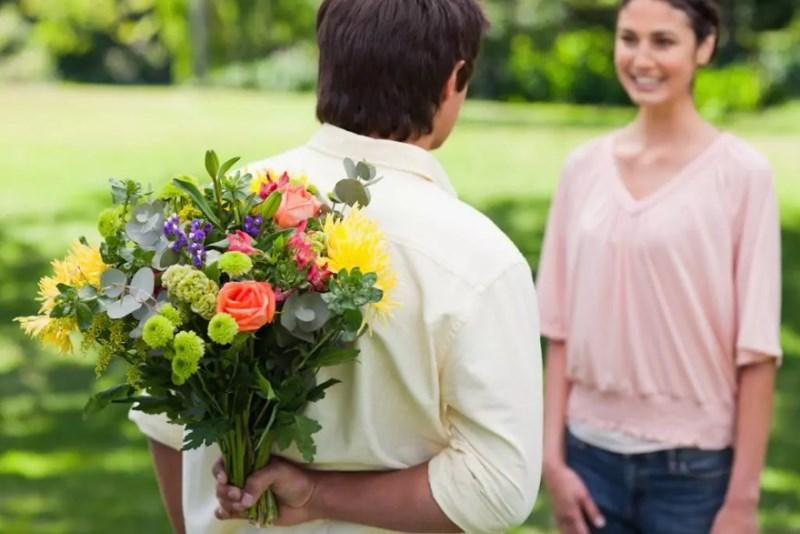 Получить цветы в подарок