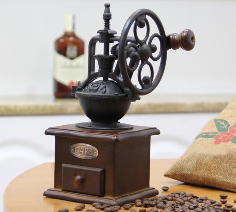Кофемолка, изготовленная в стиле ретро