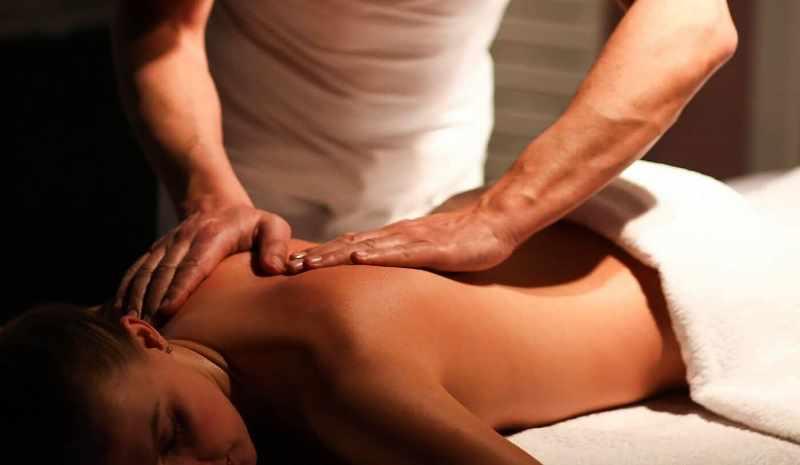 Массаж спины без сомнения окажется полезной процедурой