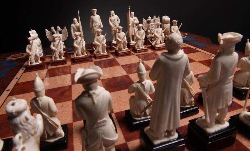 Оригинальные резные шахматы