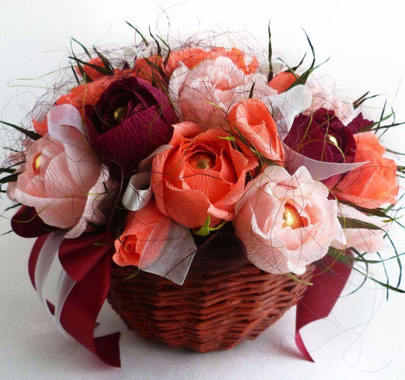 Нежные розы с приятным сюрпризом