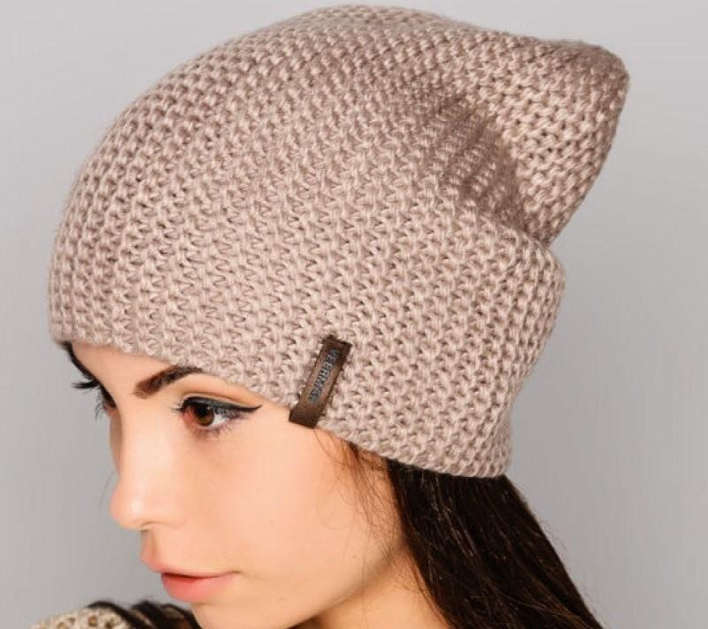 Стильная шапка-бини