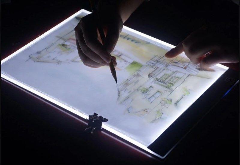 С помощью планшета можно нарисовать картину